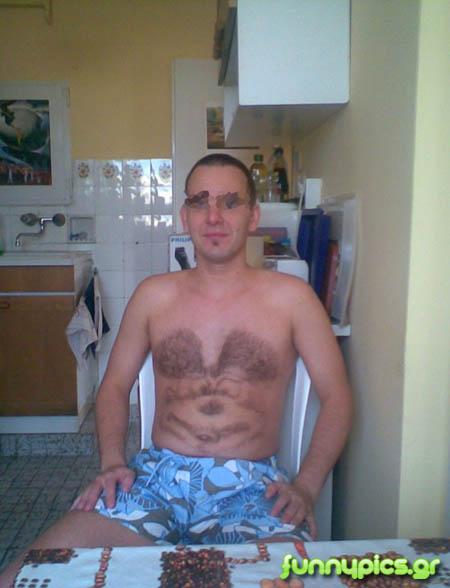 Μίκυ Μάους Σε Ξυρισμένο Στήθος