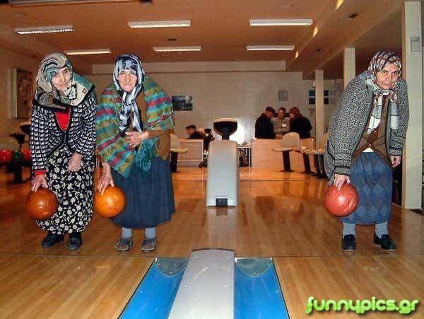 Τα Κορίτσια Παίζουν Bowling
